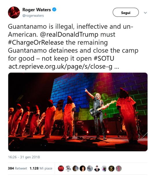 Dall'accaount twitter di Roger Waters immagine della performance con riferimento a Gantanamo